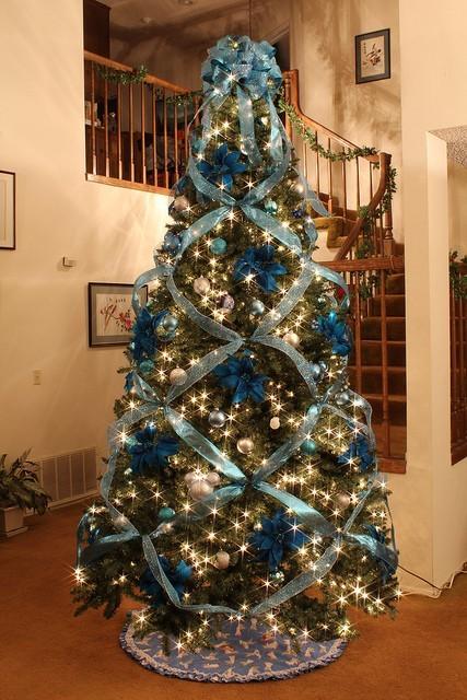 Tendencias Para Decorar En Navidad Aqui - Arboles-de-navidad-dorados