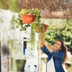 macetas-colgantes-redondas-jardin-plantas-terra-plastiken