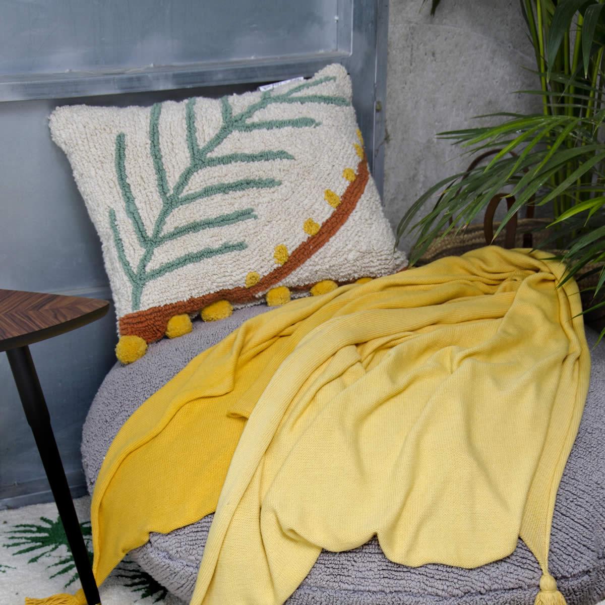 Combinar cojines sofá de colores